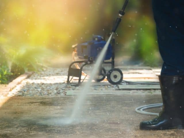 Pressure washer dies at full throttle: troubleshooting
